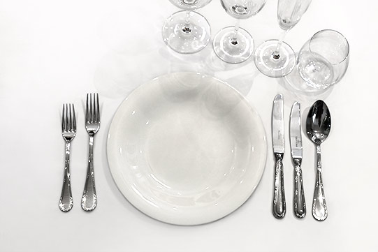 Photo shows Villa Cone Beach whiteware, glassware and cutlery from Villeroy & Boch.